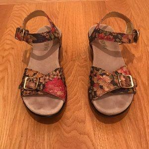 Algeria Flower Patterned Sandal Size 40